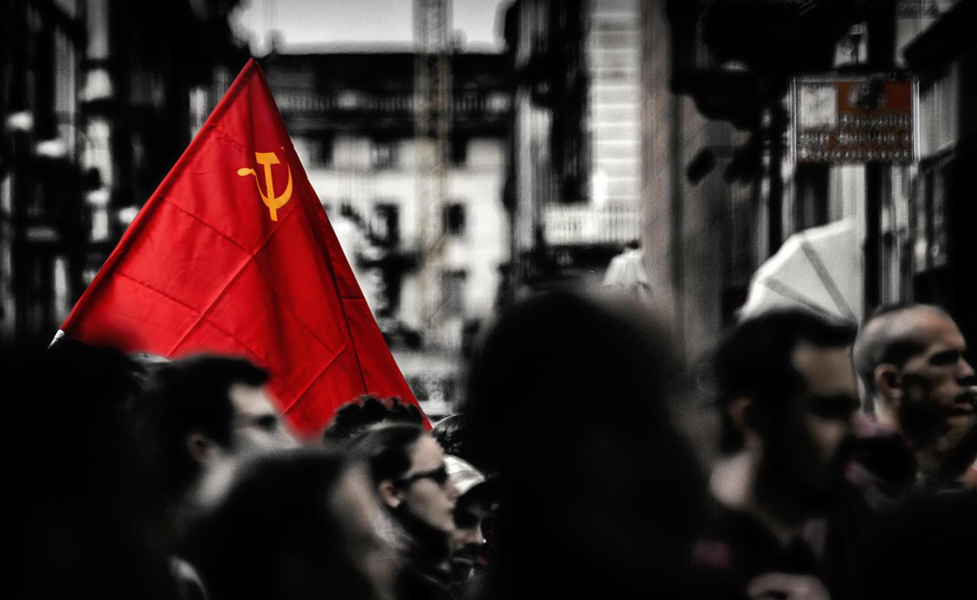 город, флаг, серпимолот, Alexandr Bezmolitvenny