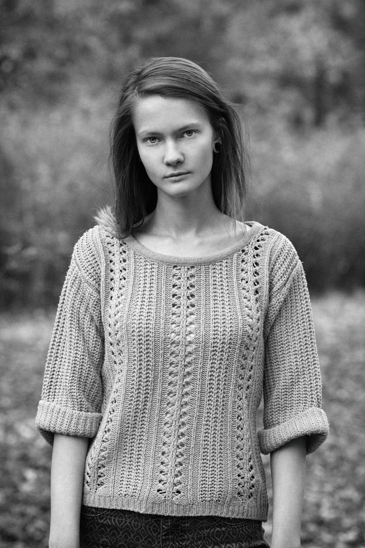 Light, Natural Light , Natural , Black & White , B&W , Model , Pose  , Posing , Asen Andreev , Asen Andreev Photography , Monochrome , Fashion Model , Fashion , Portrait, asen