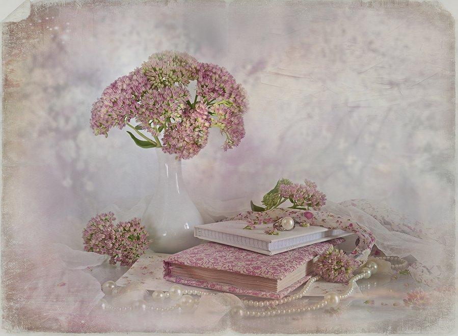 натюрморт книги букет утро жемчуг розовый винтаж ретро, Eлена Шовкопляс