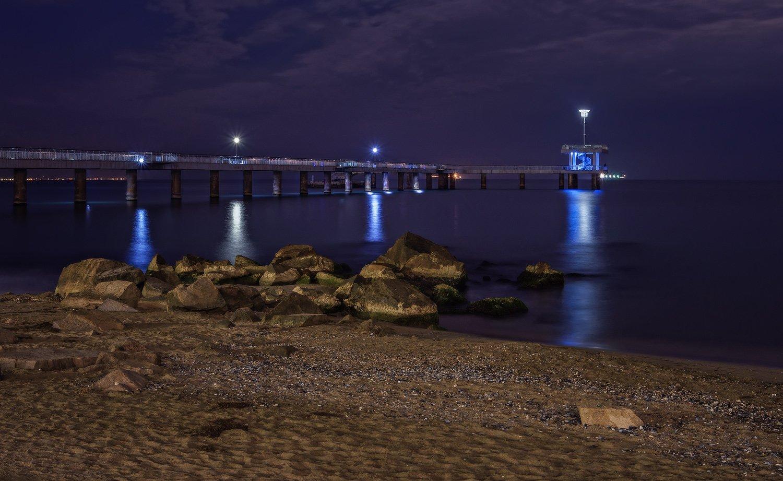 ночь, фонари, мост, море, камни, берег, набережная, бургас, болгария, Вера Ра