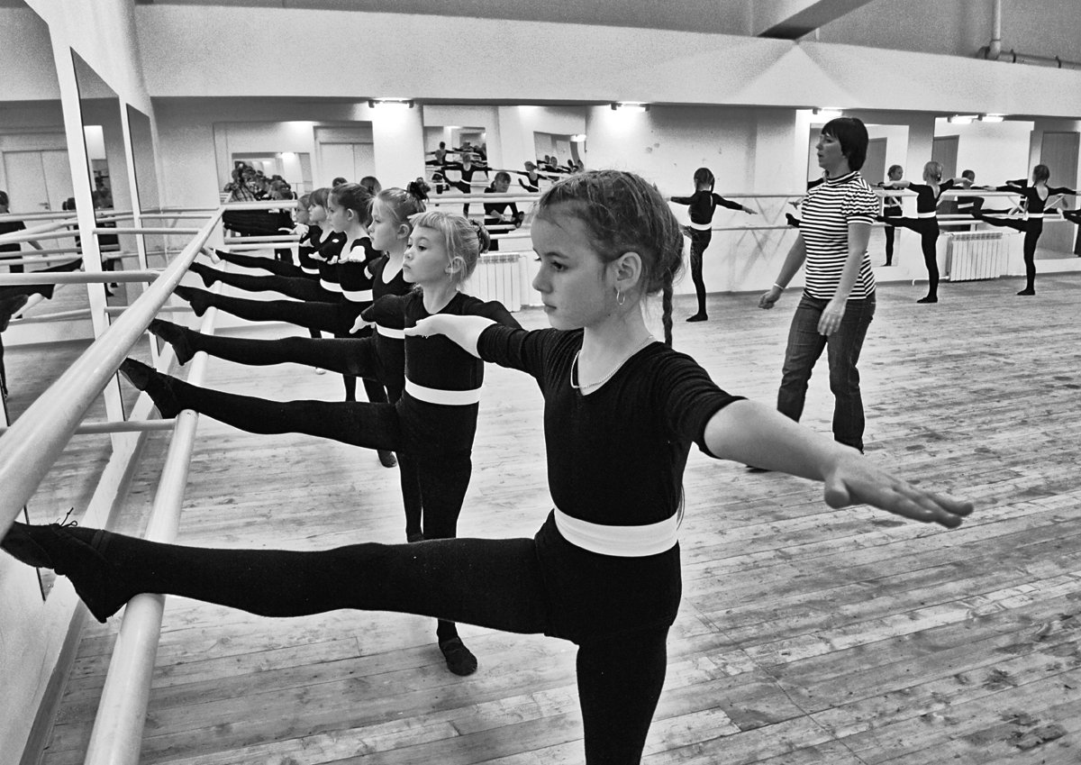 танцы, дувушка, репетиция, чб, апатиты, Николай Смоляк