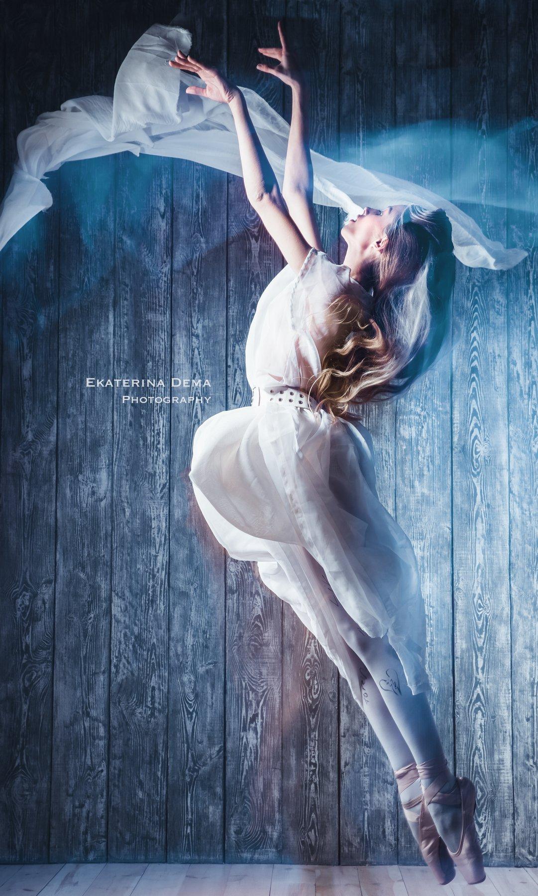 ballerina, fly, fashion, winter, snow, ice, cold, breathe, vintage , Ekaterina Dema