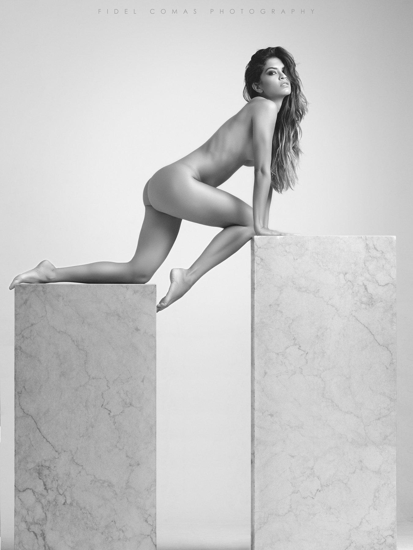 model, nudeart, studio, monochrome, hasselblad, Fidel Comas