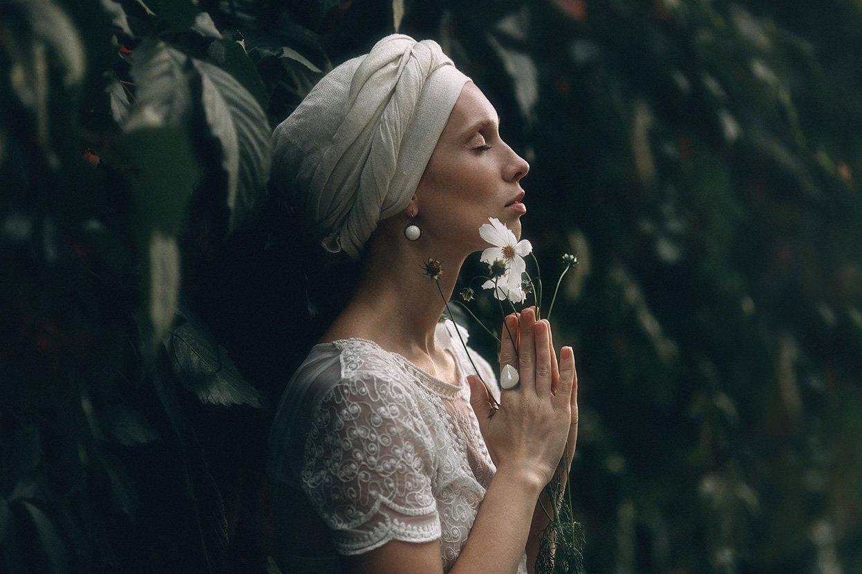 Портрет, женский портрет, цветы, девушка с цветком, Маргарита Гусева