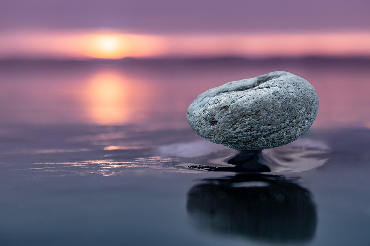 лед, байкал, ольхон, пейзаж, зима, рассвет, закат, льдина, сибирь, иркутск, озеро, камень, камень на ножке, Ипполитов Александр