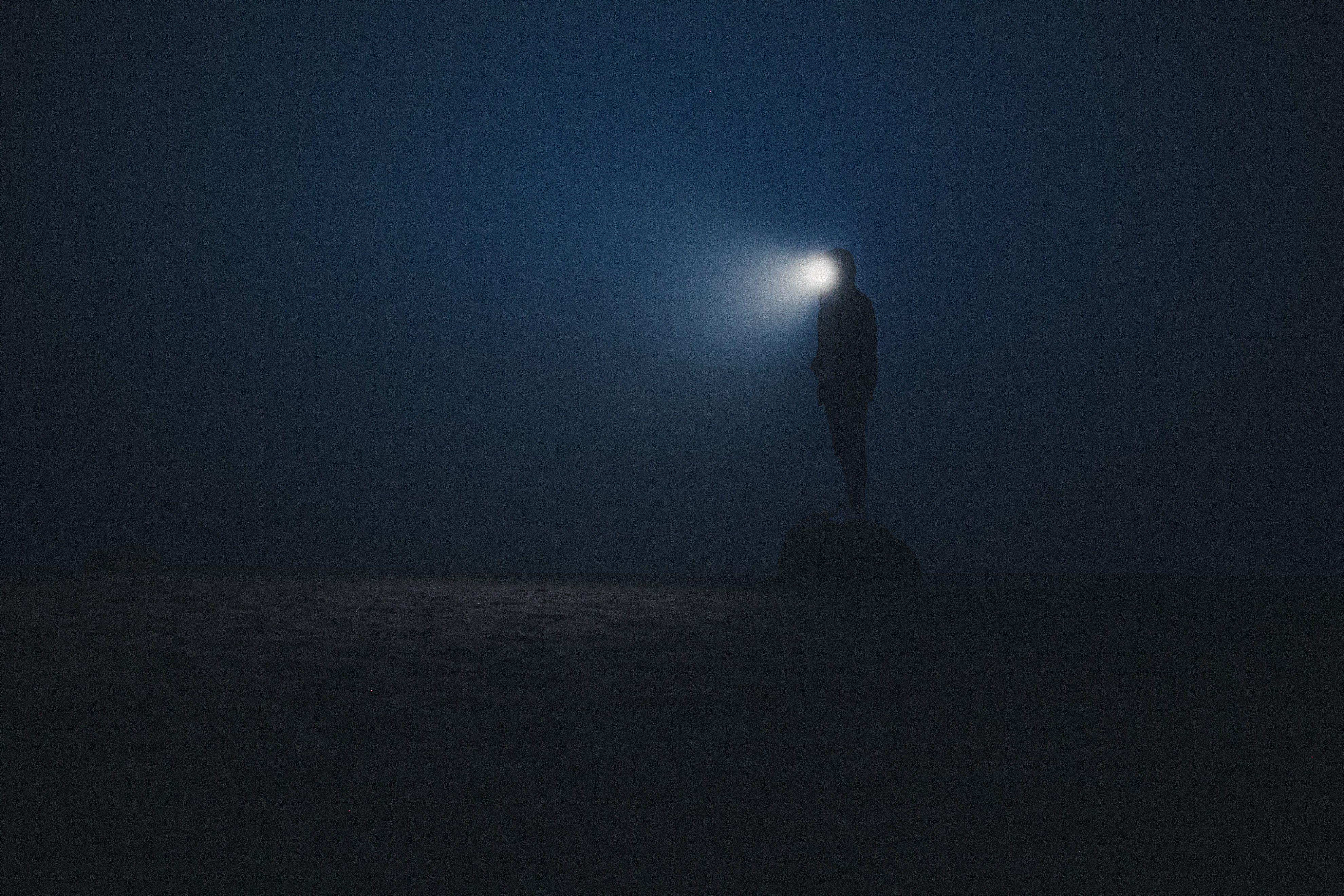 ночь свет ночь, Воронин Вова