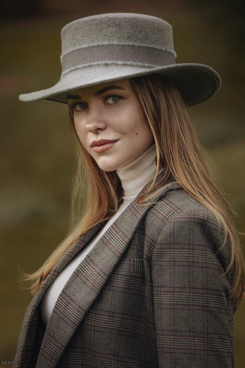 портрет, модель, шляпа, осень, Колбая Александр