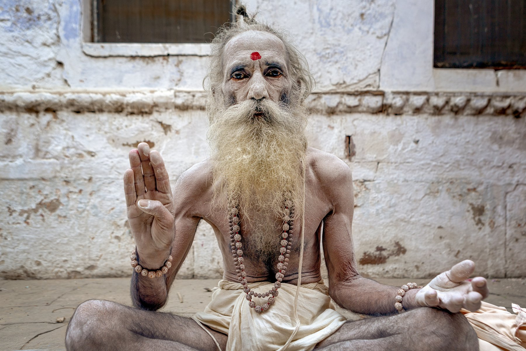 yancho sabev, sadhu, india, varanasi, male, portrait, outdoor, religion, hinduism, spirituality, holy man, Sabev Yancho