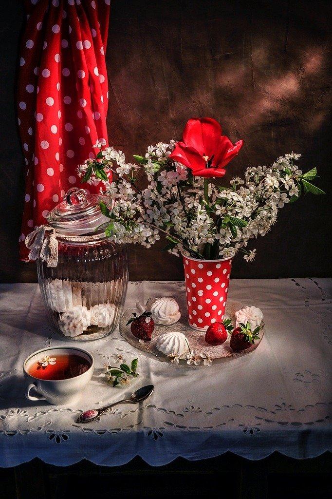 натюрморт,весна,клубника,цветы,, Zadorina Svetlana