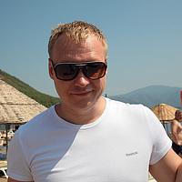 Portrait of a photographer (avatar) modus2000